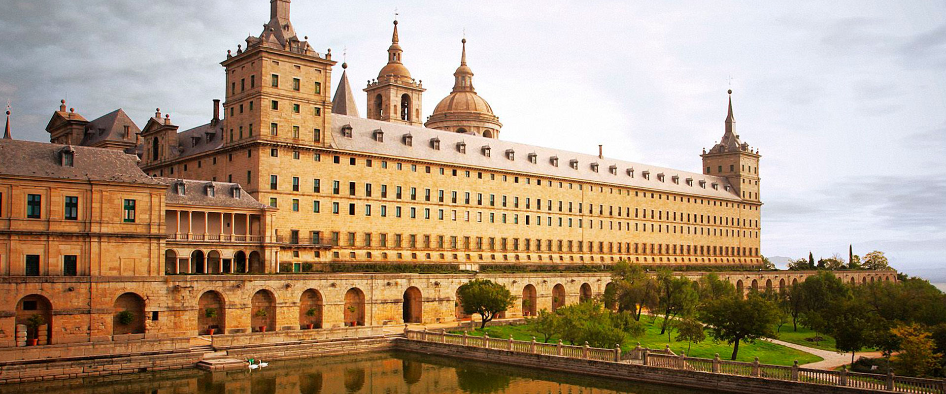 Tour Madrid de Reyes que incluye una visita al Palacio Real de Madrid y al Escorial - Madrid Experience